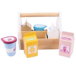 Wooden box with dairy products, 7dlg.